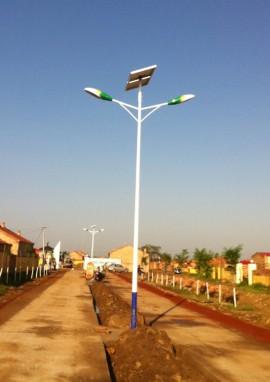 市电互补太阳能路灯产品介绍